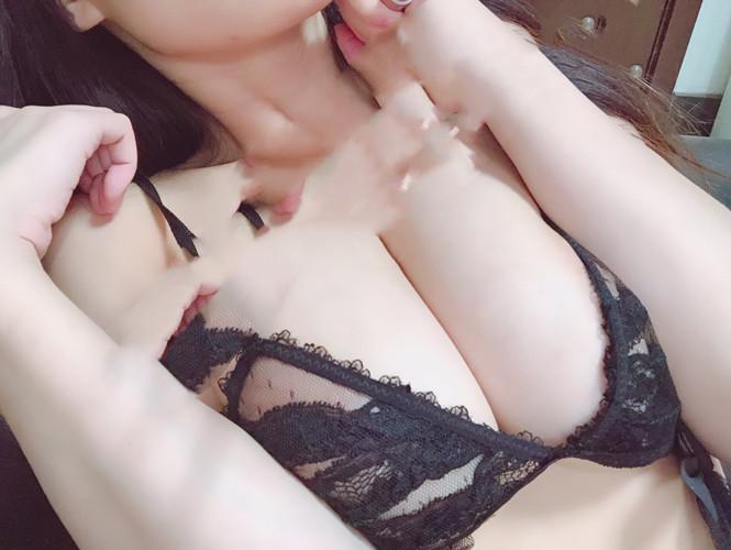 优米-黑蕾丝情趣内衣[28P/100.49MB]